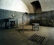 museum-of-terror-torture-room